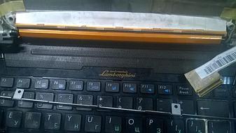 Замена матрицы на достаточно редком нынче ноутбуке Asus VX7 Lamborghini.  1