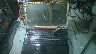 Замена матрицы на достаточно редком нынче ноутбуке Asus VX7 Lamborghini.  4