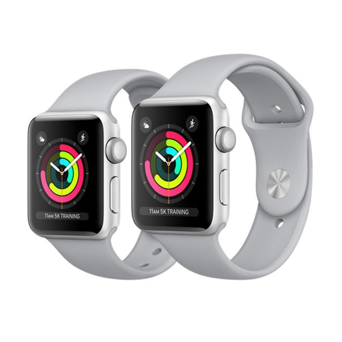 Apple Watch Series 3 38 мм.  Корпус из серебристого алюминия