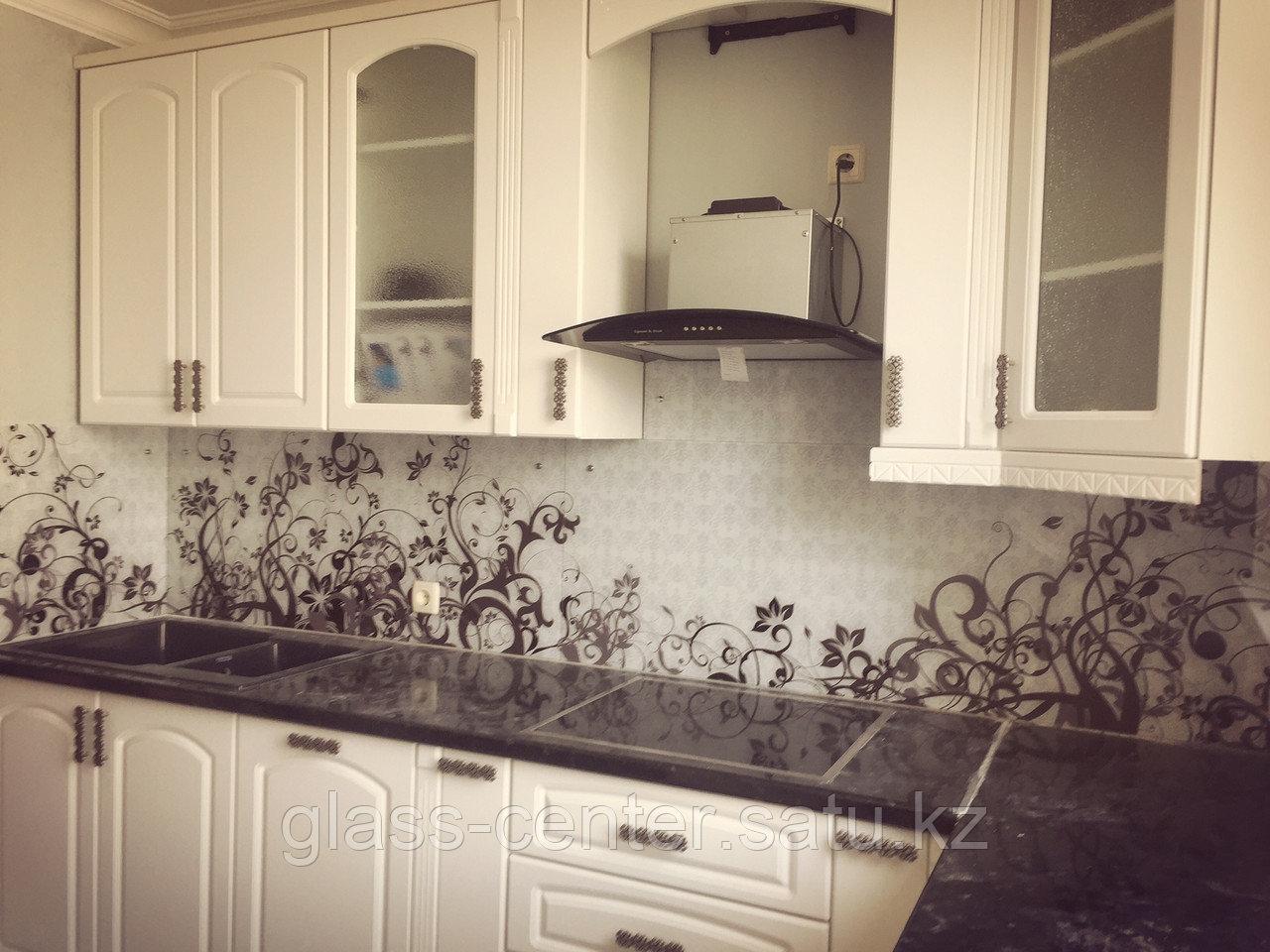 Фартук для кухни с изображением из высокопрочного стекла. Скинали - фото 1