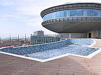 """Строительство бассейна на крыше гостиницы """"Kempinski Grand Asia"""""""