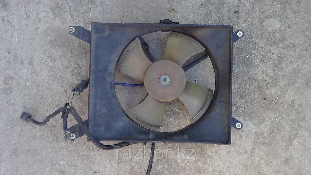 Вентилятор радиатора Honda Saber, Inspire левый / UA1