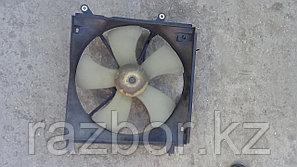 Вентилятор радиатора Toyota Caldina левый (ST210)