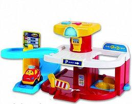 """WinFun 1251-NL Игровой набор """"Гараж"""" (2 этажа, лифт, свет и звук. эффекты, 1 машинка и игровой мат в"""