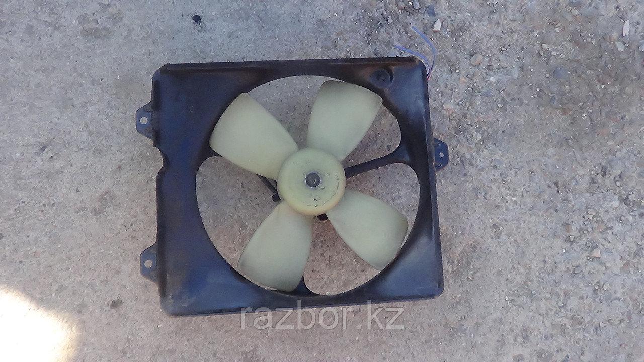 Вентилятор радиатора Toyota Camry правый