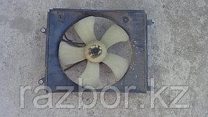 Вентилятор радиатора Toyota Ipsum левый SXM10