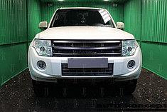 Защитно-декоративные решётки радиатора Mitsubishi Pajero IV 2011-2014
