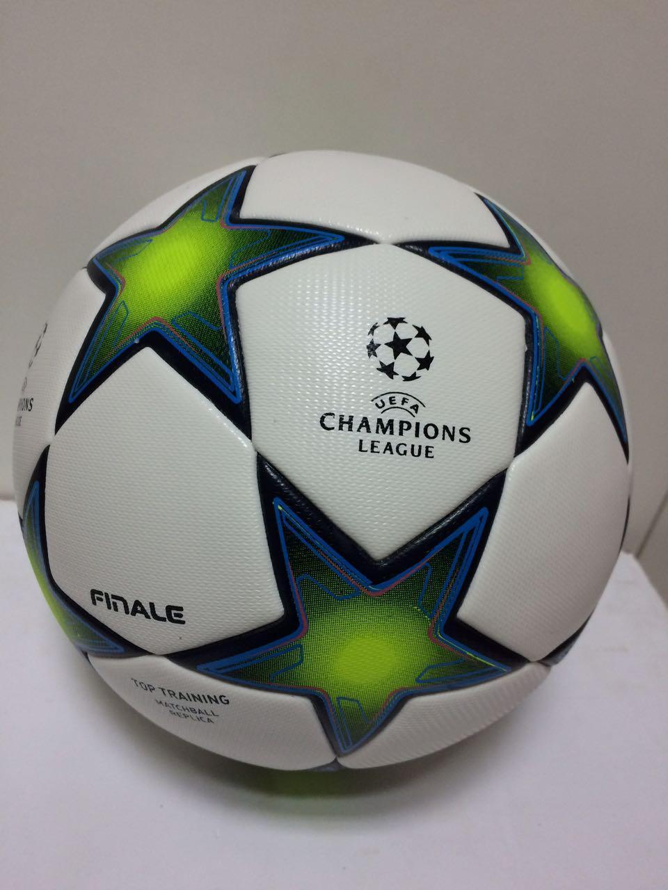 Футбольный мяч мини Adidas