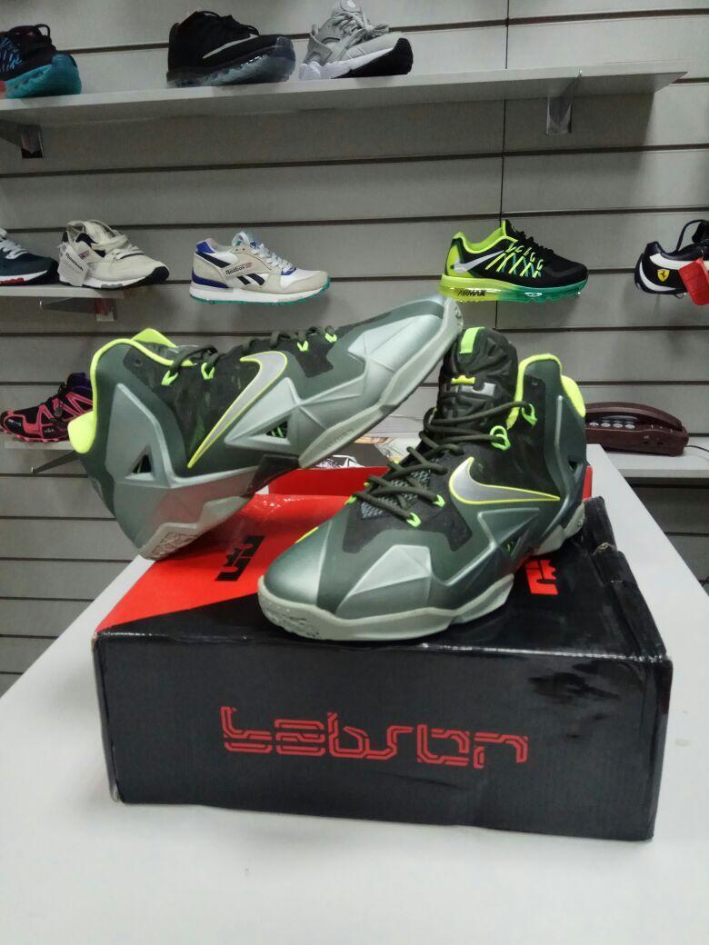 Баскетбольные кроссовки Nike Lebron 11 (XI) Dunkman