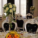 Цветы и свечи в вазе, фото 3