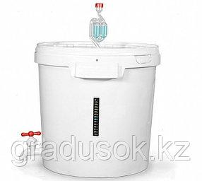 Бродильная ёмкость с краном гидрозатвором и термометром