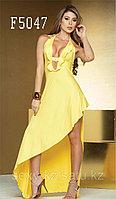 Желтое длинное сексуальное платье на одну ногу