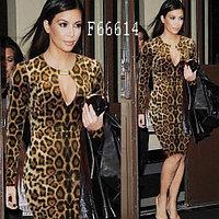 Сексуальное платье с леопардовым принтом.