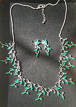 """Комплект украшений """"Весна"""" зеленые кристаллы"""