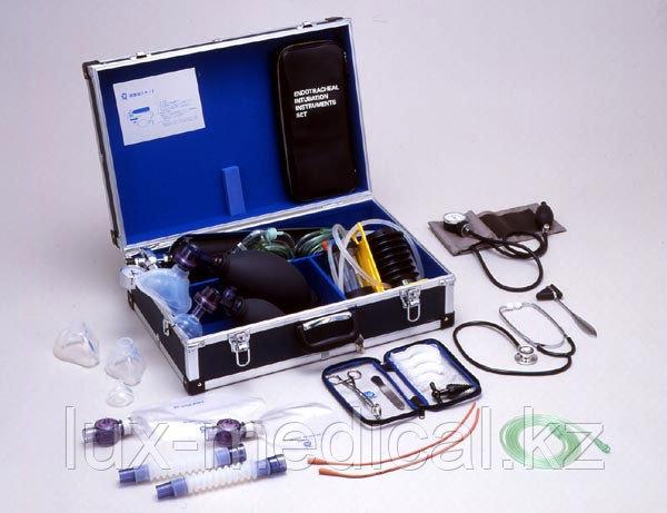 Чемодан первой медицинской помощи для взрослых и детей серии PROFESSIONAL модель ACICRW-ED-OX-FP