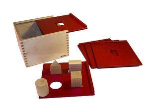 Коробка форм для сортировки с геометрическими фигурами