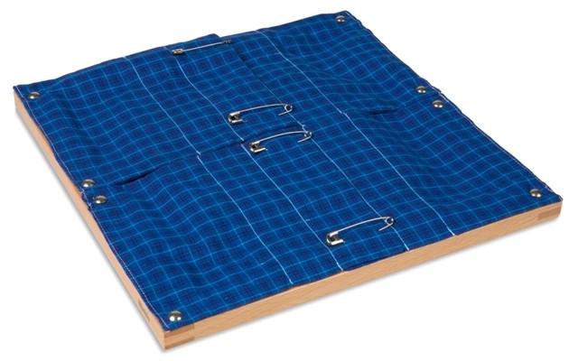 Рамка с булавками (30,5*33 см.)