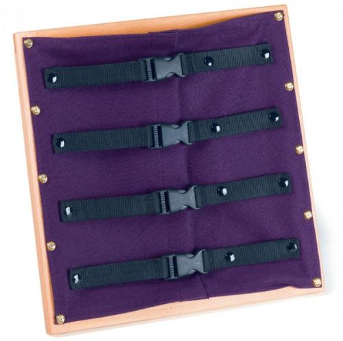 Рамка с пластмассовыми застёжками (30,5*33 см.)