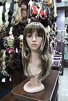 Длинный парик лесенкой