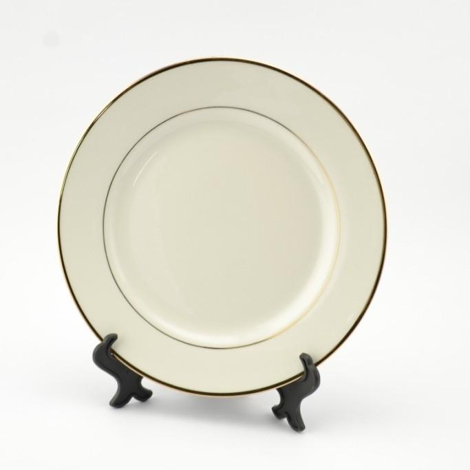 MT-P002А Тарелка с ободком золотого цвета 8*
