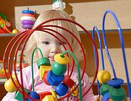 Как правильно выбрать развивающую игрушку для малыша