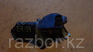 Моторчик стеклоочистителей Mitsubishi Galant (EA1A)