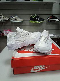Кроссовки Nike Air Huarache белые