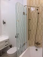 Шторка стеклянная на ванную