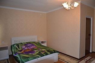 2 местный люкс с спальный кроватью.