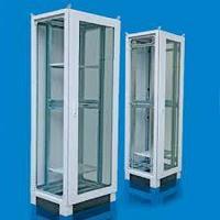 Шкаф RC 2000*600*800 мм сетевой в комплекте: Каркас шкафа, передняя дверь обзорная, задняя панель, потолочный