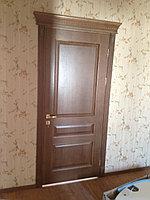 Дверь межкомнатная деревянная с карнизом