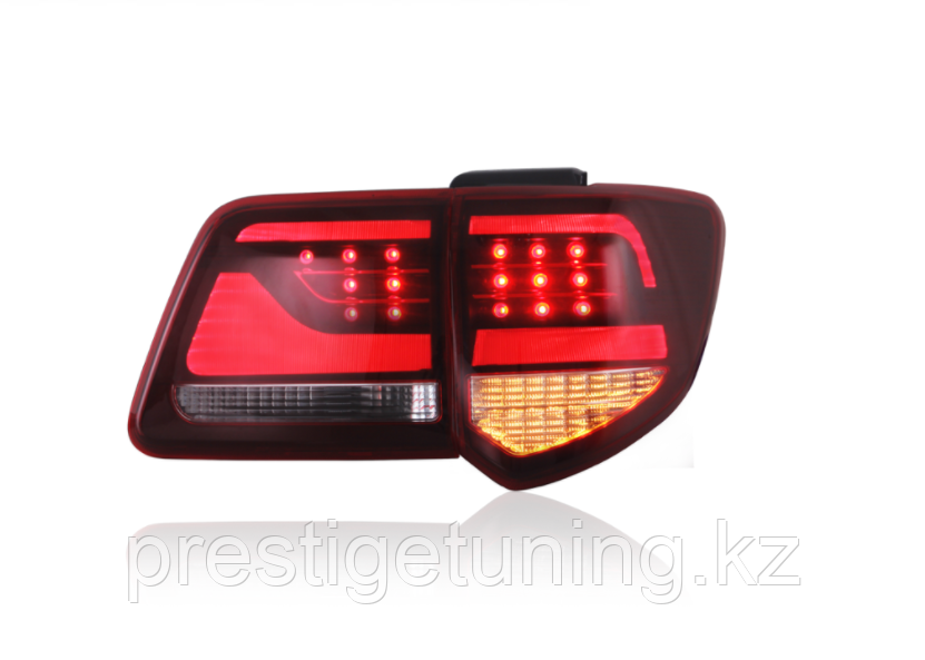 Задние фонари на Toyota Fortuner 2012-15 Red color LC200 style