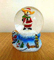 "Новогодний шар со снегом ""Оленёнок с подарками"" 6,5*4см., фото 1"