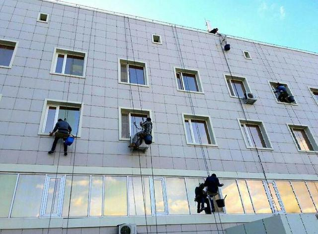 Мойка окон в Национальном Перинатальном центре г.Астана / 2017 год  19