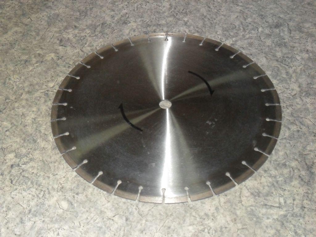 Китайский сегментный алмазный диск ф 600 х 50мм