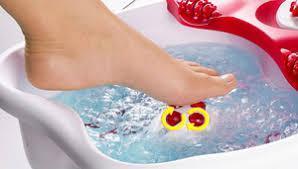 Наборы для маникюра и педикюра. Массажные ванночки и сауны для лица