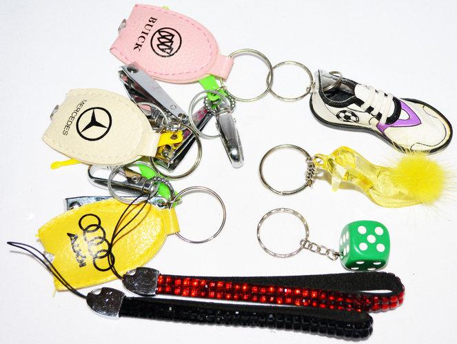 Брелоки подвески на телефон, ключи или рюкзак в ассортименте