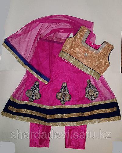 Индийский детский костюм Сальвар камиз (платье, платок и штанишки).