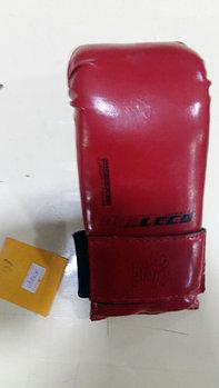 Перчатки для спарринга Leco