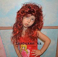Черно-красный карнавальный парик с челкой для тематической вечеринки (55 см)