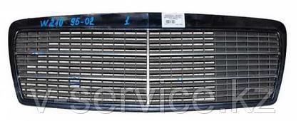 Решетка радиатора(вставка) MERCEDES W210(210 888 00 23)