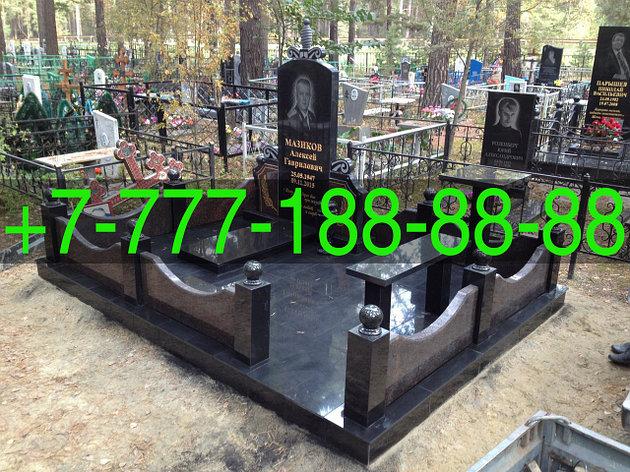 Мемориальные комплексы на кладбище, фото 2