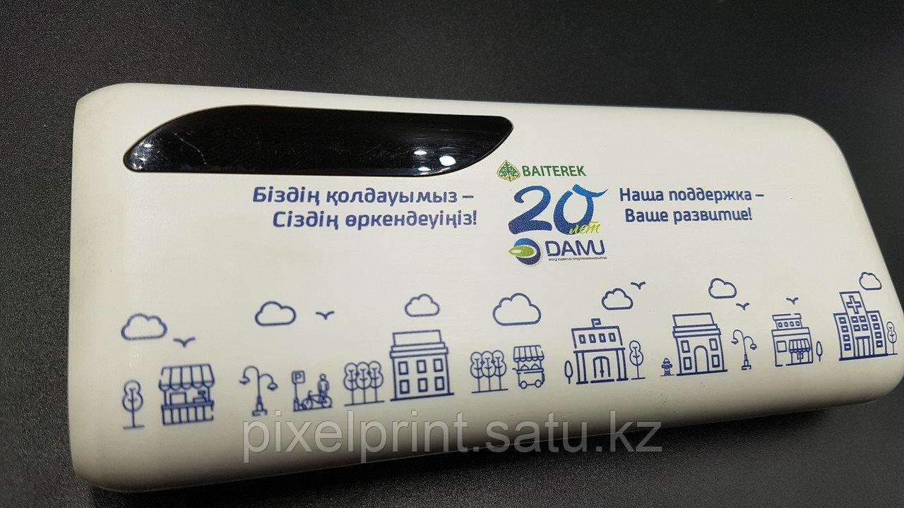 Нанесение логотипа на зарядник для телефона