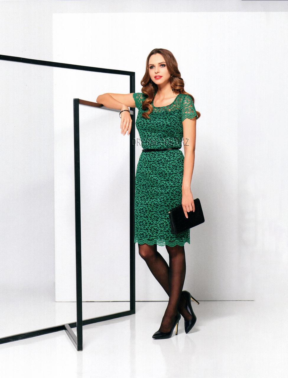 Кружевное зеленое платье