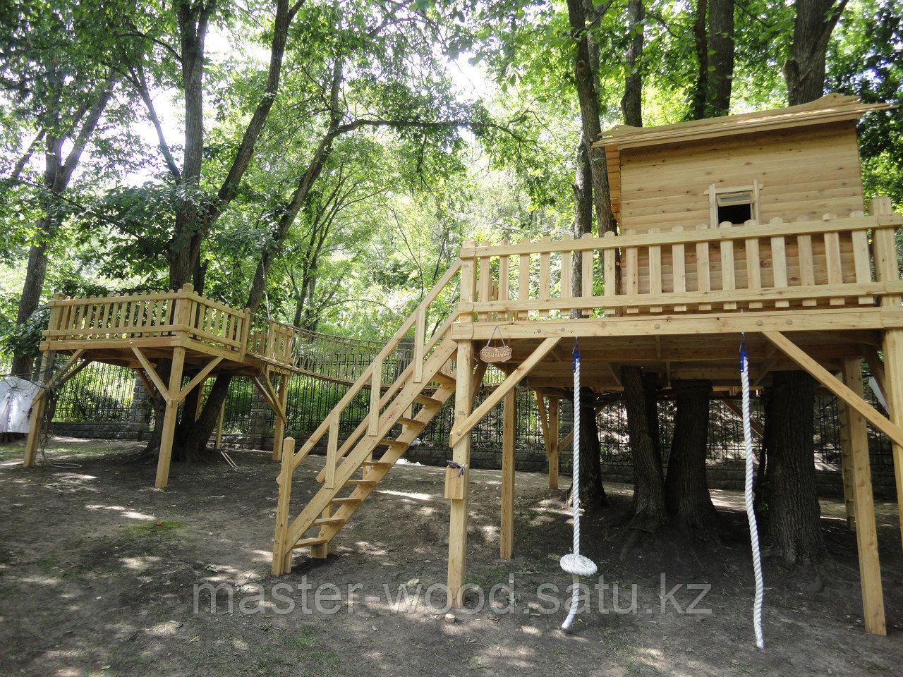 Деревянные садовые домики и домики на деревьях - фото 3