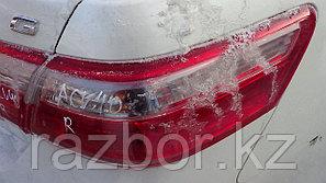 Фонарь задний правый Toyota Camry (40)