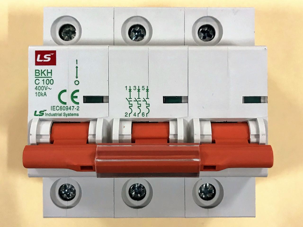 Автоматический выключатель BKH 3P C100 (10кА)