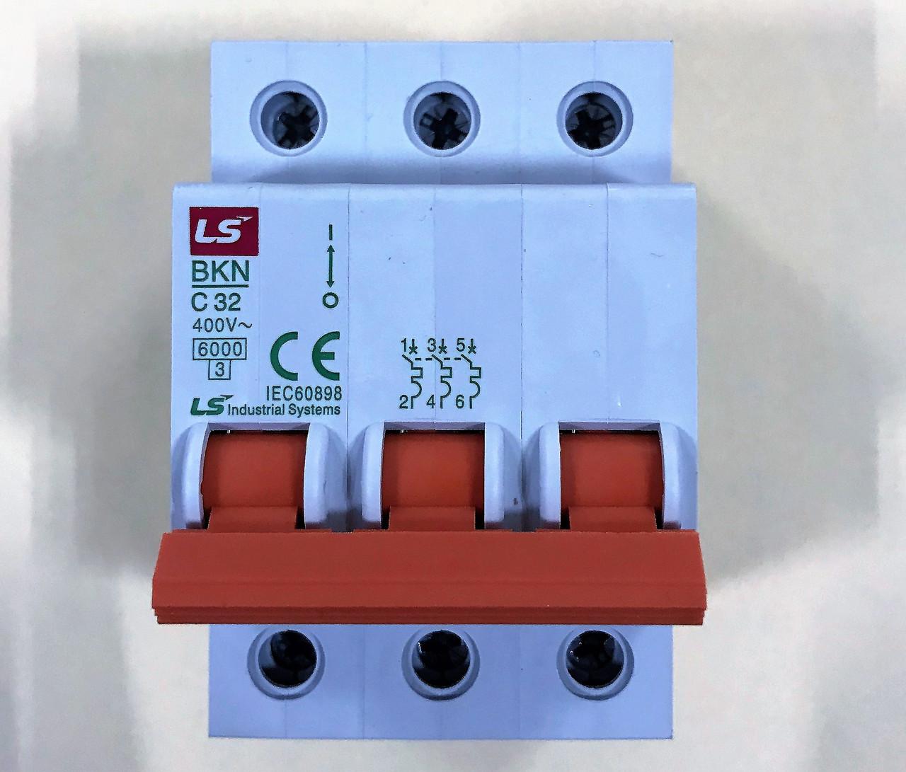 Автоматический выключатель BKN 3P C32 (6кА)