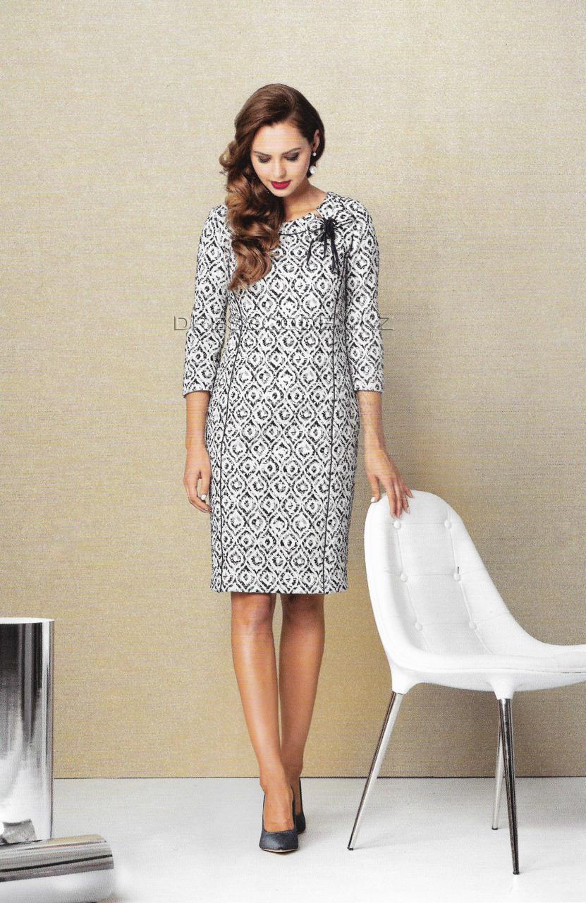 Платье-футляр с люрексом