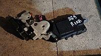Дверной замок правый задний Subaru Legacy (BG9)